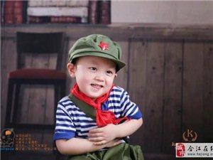 这个小朋友很可爱的,请大家支持!