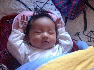 萌宝宝:这个睡姿太萌了,么么哒!
