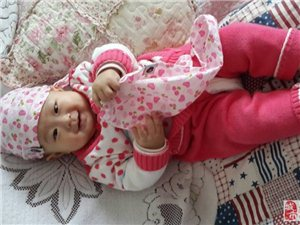 爱笑开心宝宝