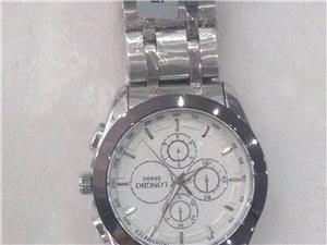 爱心眼镜店手表自拍