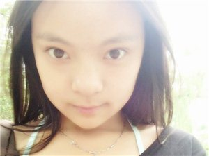 金博楠,女,26岁,1.58cm