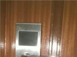 专业维修车库门、防盗门、玻璃门、各种门控