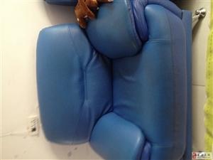 500元两个单人皮质沙发
