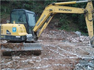 6吨级小型挖机出租