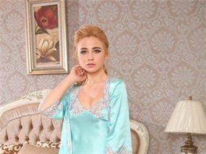 为自己准备一件漂亮的真丝睡衣