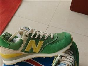 新百��,�畲瀣F�,260一�p,�S�。鞋子��m到�