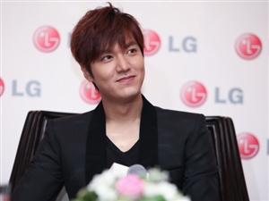 韩国两大男神李敏镐和金秀贤只有一个能来湖南你们更喜欢谁来?