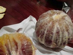 浦城网友LoSt爆料浦城七星桥头水果摊卖打针色素脐橙