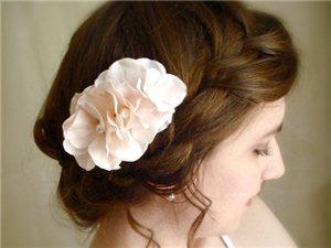 清新田园风新娘发型 浪漫不只一点点
