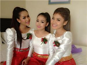 三个靓妹子,你更喜欢哪一个???