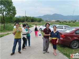 [原创]蓝海豚公益志愿服务队送书到坪上成全小学