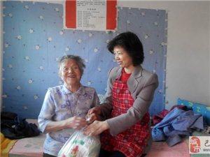 爱心老猫和夫人来到北港敬老院陪孤寡老人过母亲节