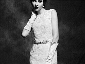 简约大气的蕾丝婚纱