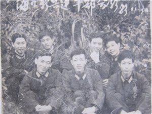 一九八三年从海军海口水警区去潢川接兵,当时在县委招待所接兵干部和当地武
