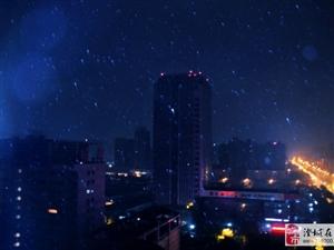 黎明前的雷�雨