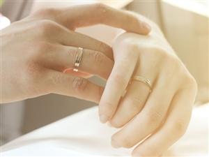 莱阳婚嫁街-教你怎样选择结婚戒指(钻戒与婚戒)