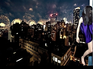 韩国女摄影师高楼边缘玩命自拍