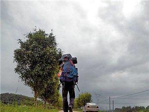 打工仔徒步西藏 为孤残儿童筹款