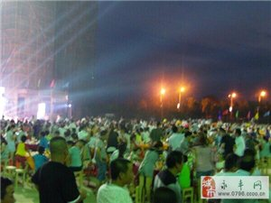 【图/文】国际都会第二届啤酒烧烤节:千人集聚一堂