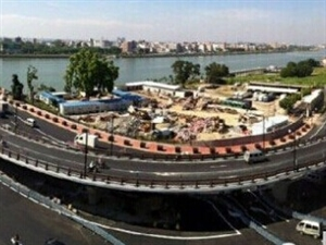 潮州高架桥通车四日引民愤 《南方日报》四问公路、交警