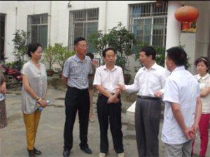 省人大常委副主任周忠良一行到麻江县进行新农合专项调研