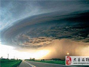 [贴图]壮观的龙卷风