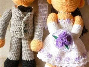 ?一位老汉在妻子的鞋盒里发现两个娃娃和9万5千美金之后......