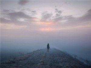 ��T了寂寞之后,一��人就是全世界。