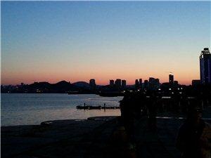 手机拍摄的大连星海夜幕