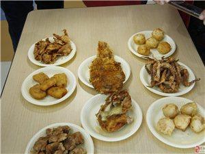 来自台湾的脆皮鸡排,抵挡不住美食诱惑的小编口水直流三千尺啊。。。