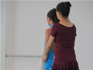 美馨舞蹈培训:拉丁舞教师风采展示