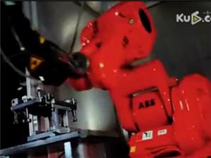 碉堡了,富士康的机器人也会跳《小苹果》