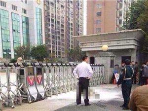 江西抚州证实男子法院门口自焚
