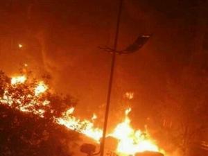 【继续爆料全图】河津连续七车着火,火光冲天,电线杆子都烧倒了!