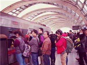 北京生活之―北京地铁五号线立水桥南站,时间,早8:25