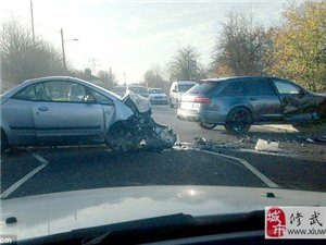 贝克汉姆遭遇车祸现场 座驾损毁伤势不明