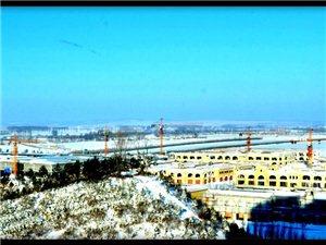 窗边拍小城冬雪
