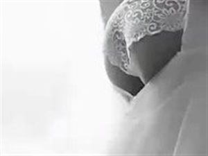 首部限制级大尺度婚纱照