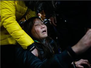 上海外滩踩踏事故 35人死亡 48人受伤