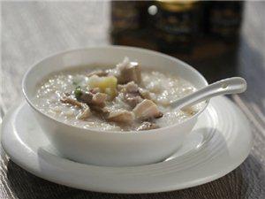 冬季驱寒暖胃的滋补佳品——-猪肚阴米粥