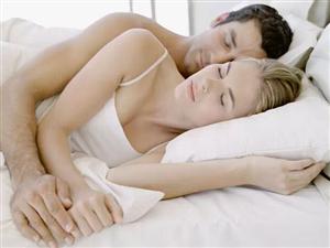 惊!夫妻抱着睡,一死一截肢