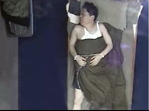 一个包过周迅,林志玲,高圆圆的丑男人。。。