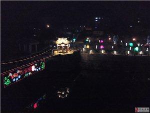霖轩豪园河边夜景