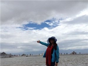 �h青海湖路上不再孤��