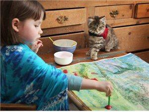英国四岁绘画天才 一幅画卖出10万英镑