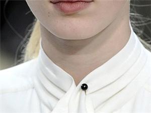 你的脸型适合什么样的衣领呢?