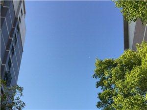 扬中难得一见的蓝天,您也来跟帖晒晒?
