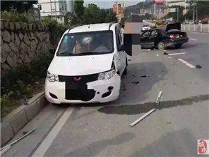 【微友爆料】今天早上安溪官桥乌东格发生一起重大交通事故,现场惨不忍睹!