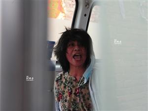 阳谷5旬女子因惊雷因患精神病30年被家属用铁链锁身