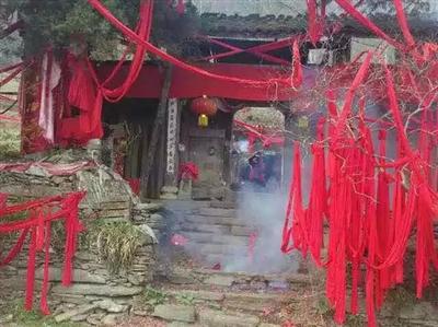 旬��h桐木�l青山村始建于唐代寺�R――青山寺